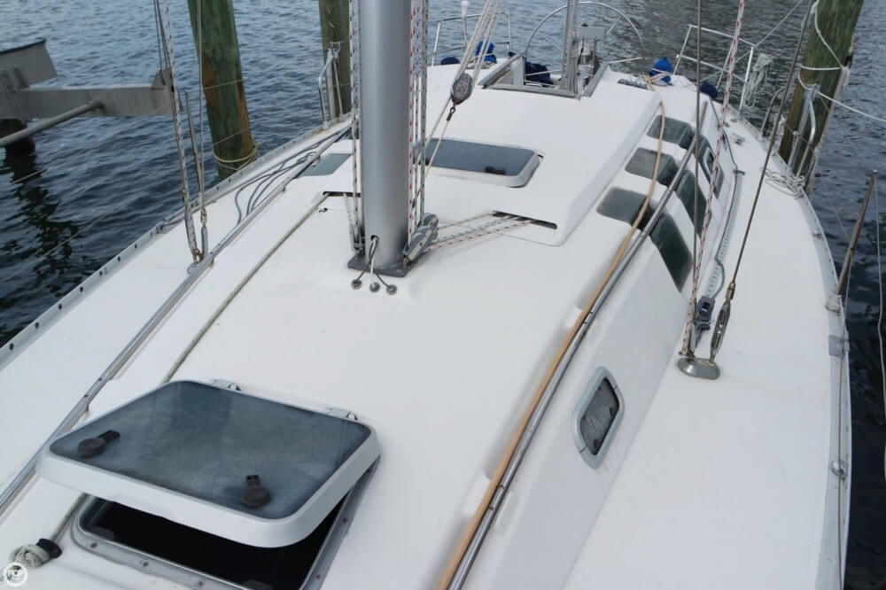 1991 Beneteau boat for sale, model of the boat is First 35 S 5 & Image # 39 of 40