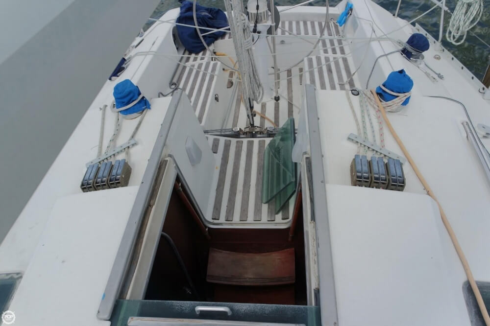 1991 Beneteau boat for sale, model of the boat is First 35 S 5 & Image # 11 of 40