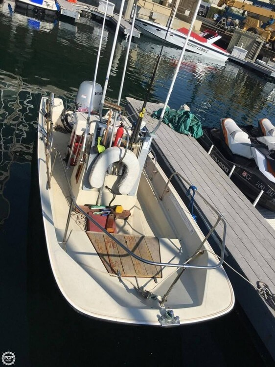 1986 Boston Whaler boat for sale, model of the boat is 17 Montauk & Image # 5 of 40