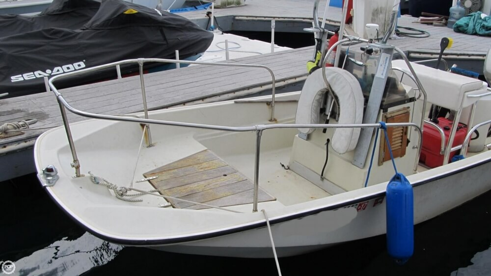 1986 Boston Whaler boat for sale, model of the boat is 17 Montauk & Image # 13 of 40