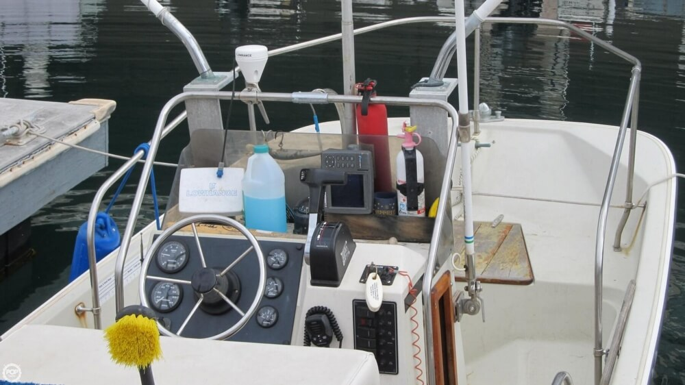 1986 Boston Whaler boat for sale, model of the boat is 17 Montauk & Image # 20 of 40