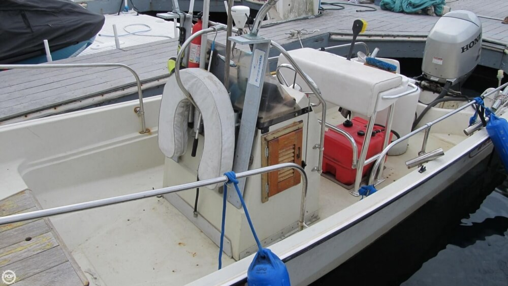 1986 Boston Whaler boat for sale, model of the boat is 17 Montauk & Image # 30 of 40