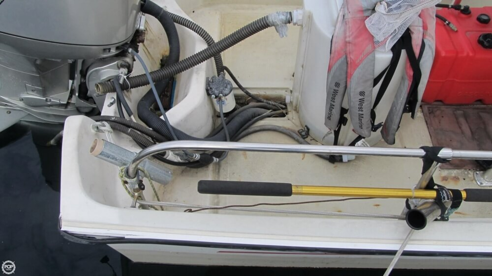 1986 Boston Whaler boat for sale, model of the boat is 17 Montauk & Image # 37 of 40