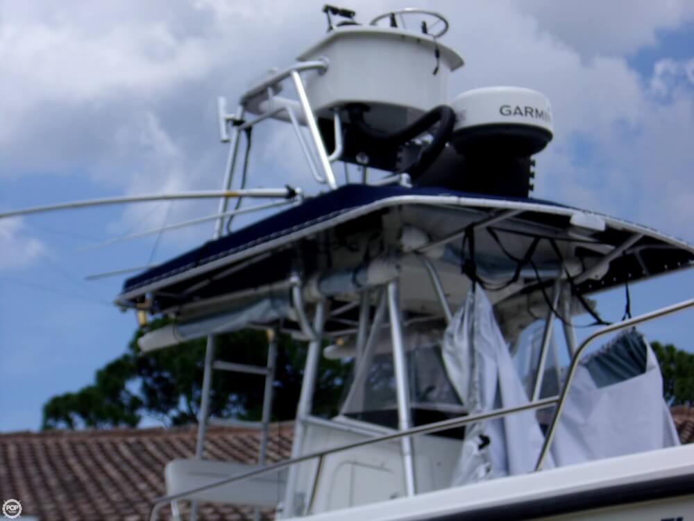 1999 26 foot Boston Whaler Outrage - image 15