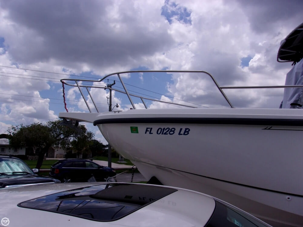 1999 26 foot Boston Whaler Outrage - image 18