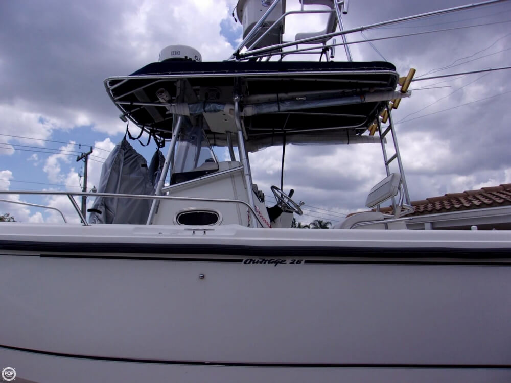 1999 26 foot Boston Whaler Outrage - image 19