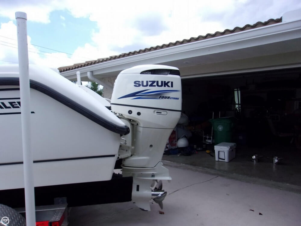 1999 26 foot Boston Whaler Outrage - image 20