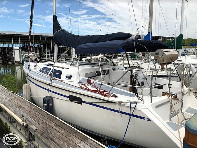 1989 Hunter boat for sale, model of the boat is 33.5 & Image # 21 of 40