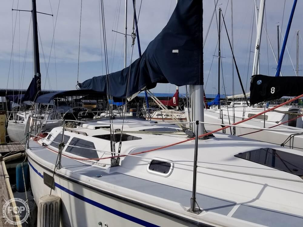 1989 Hunter boat for sale, model of the boat is 33.5 & Image # 23 of 40