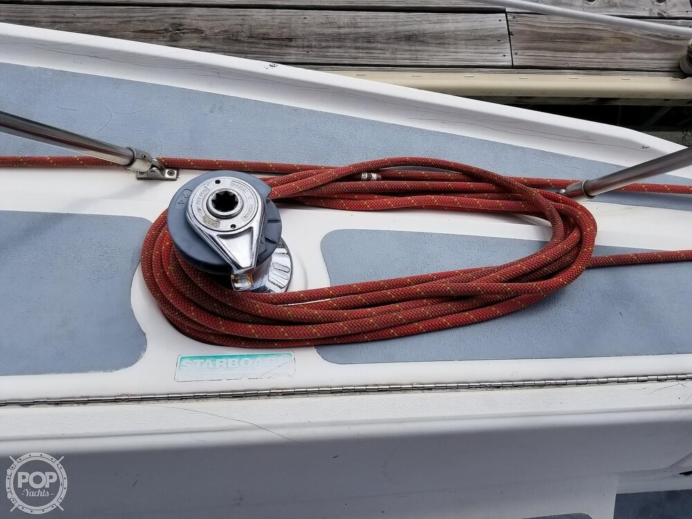 1989 Hunter boat for sale, model of the boat is 33.5 & Image # 35 of 40