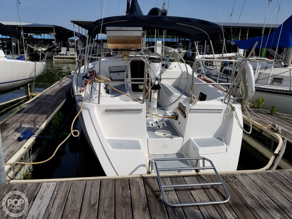 1989 Hunter boat for sale, model of the boat is 33.5 & Image # 3 of 40