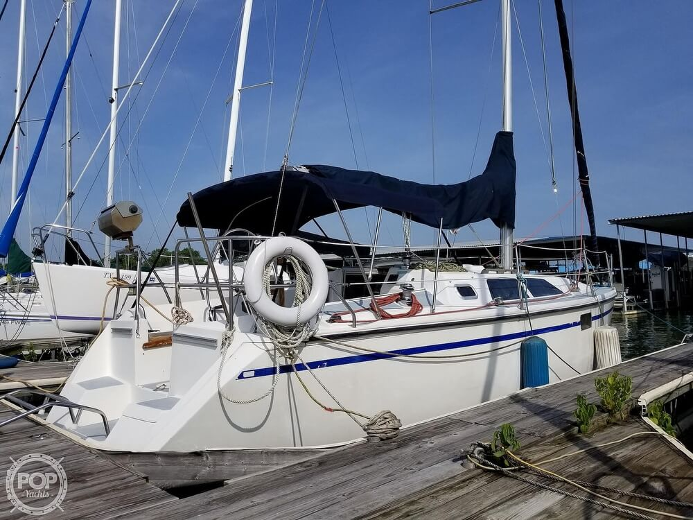 1989 Hunter boat for sale, model of the boat is 33.5 & Image # 15 of 40