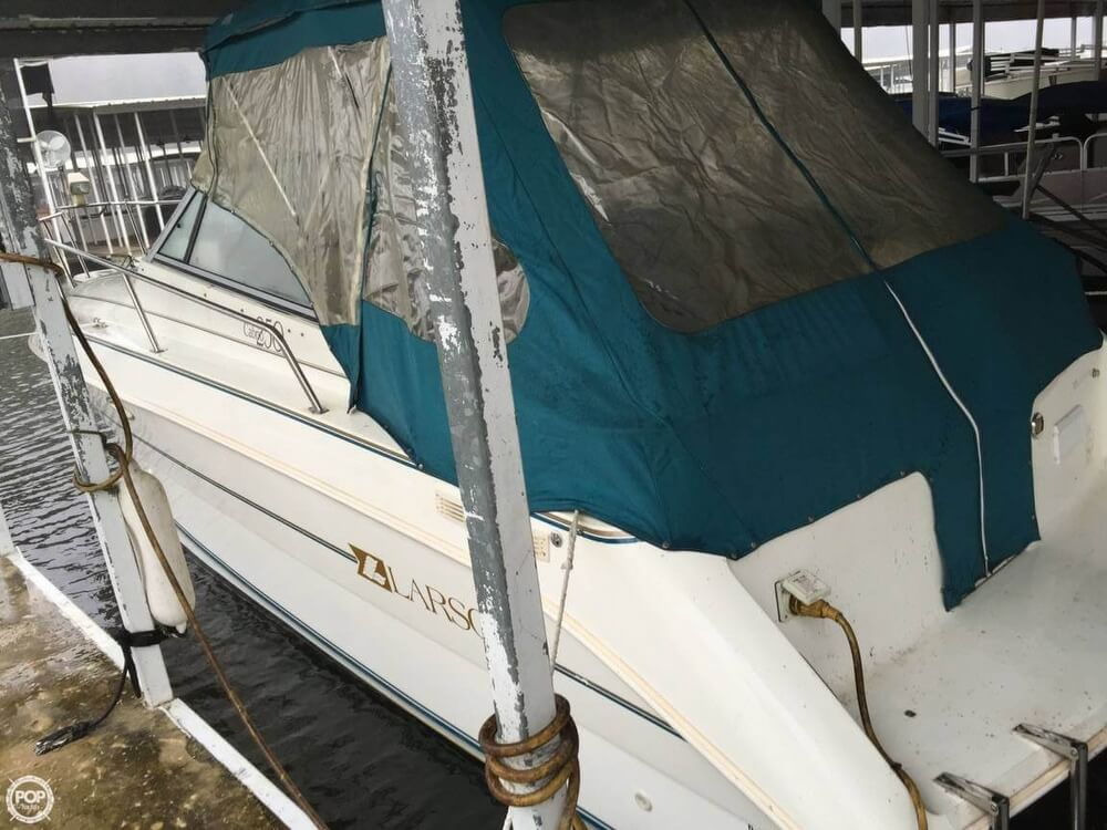 1994 Larson boat for sale, model of the boat is Cabrio 250 & Image # 3 of 11
