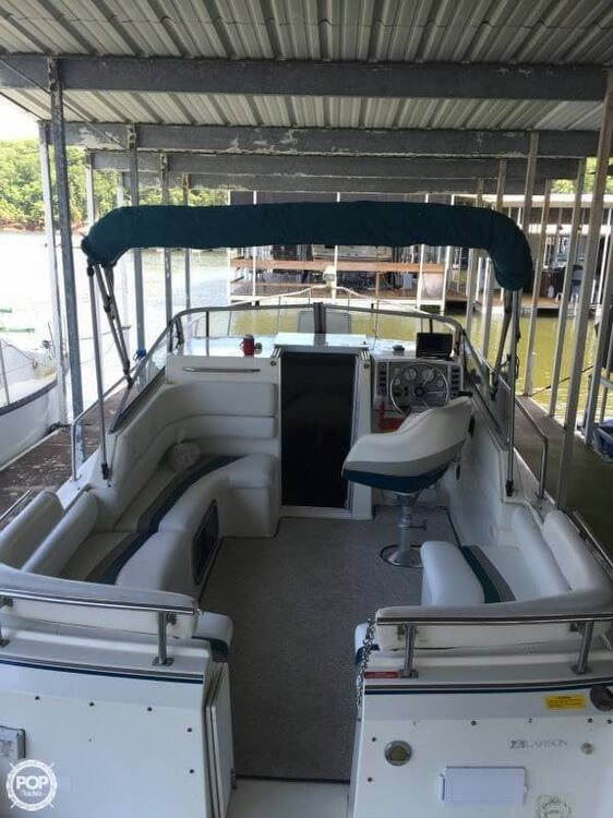 1994 Larson boat for sale, model of the boat is Cabrio 250 & Image # 4 of 11