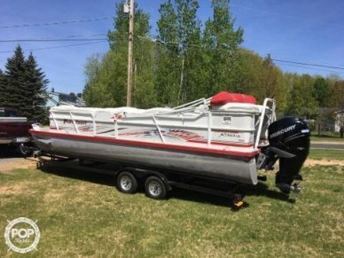 Playcraft Xtreme 2600 Tritoon, 28', for sale - $35,000