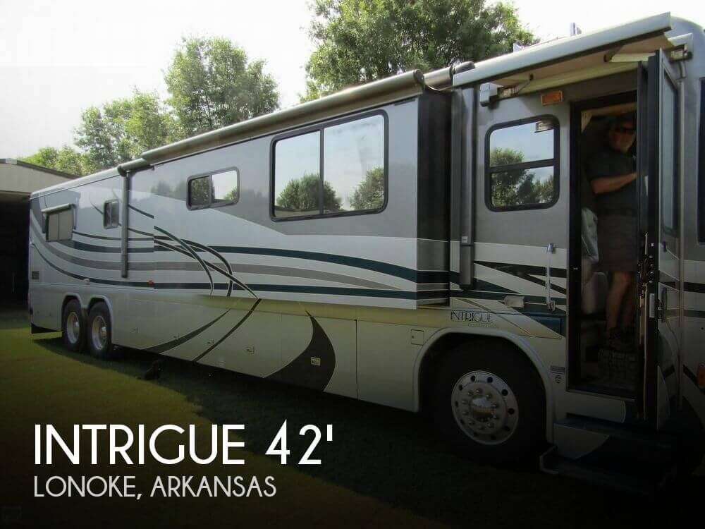 2004 Country Coach Intrigue Ovation 505 Triple Slide
