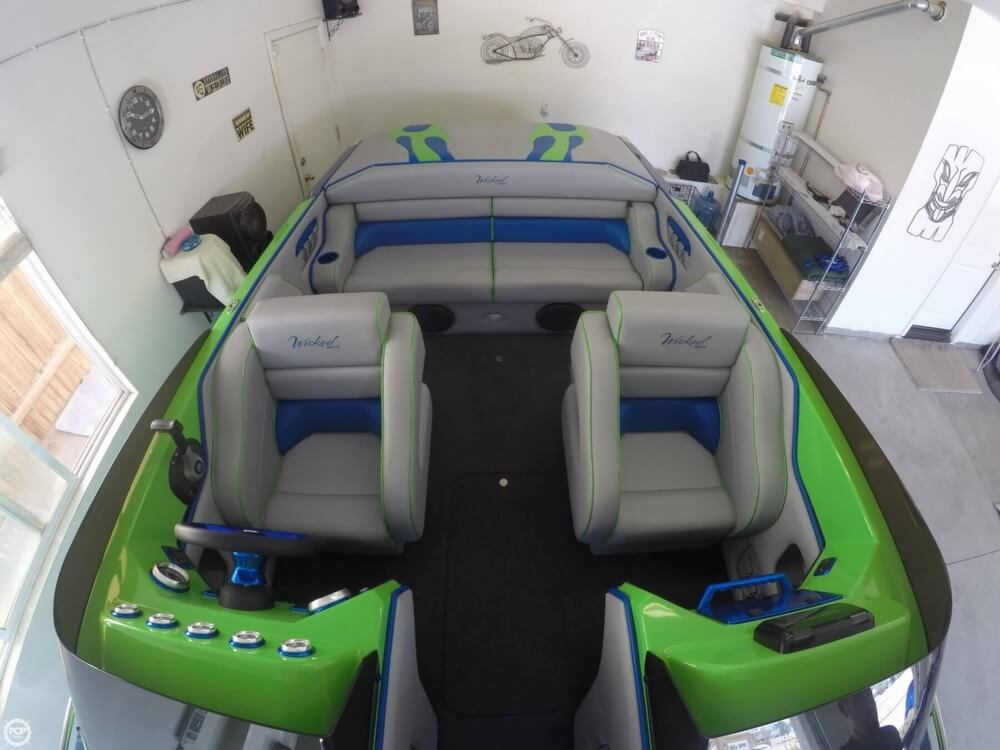 2016 Commander boat for sale, model of the boat is 2300 LX & Image # 9 of 40