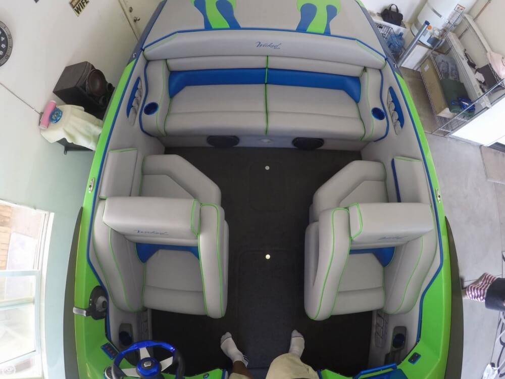 2016 Commander boat for sale, model of the boat is 2300 LX & Image # 10 of 40