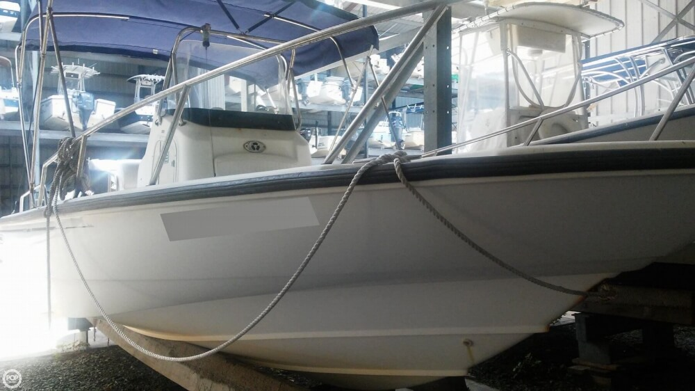 2006 Boston Whaler boat for sale, model of the boat is 220 Dauntless & Image # 2 of 40