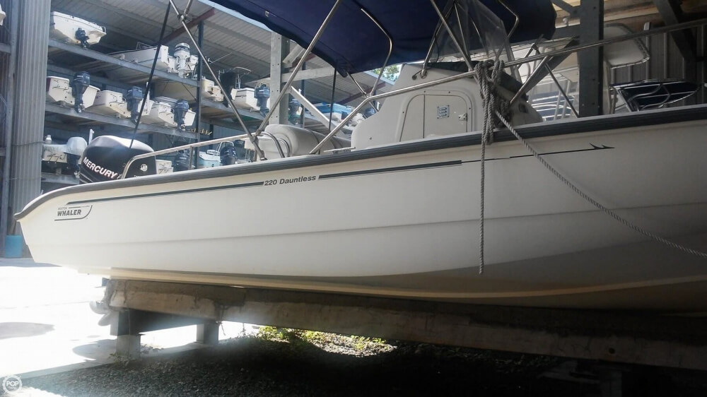 2006 Boston Whaler boat for sale, model of the boat is 220 Dauntless & Image # 5 of 40