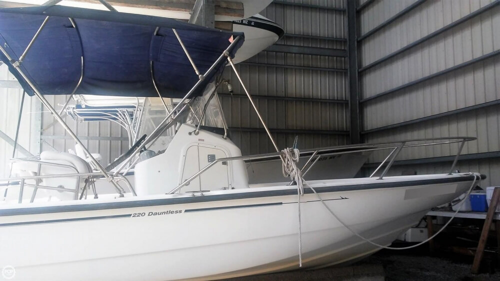 2006 Boston Whaler boat for sale, model of the boat is 220 Dauntless & Image # 6 of 40