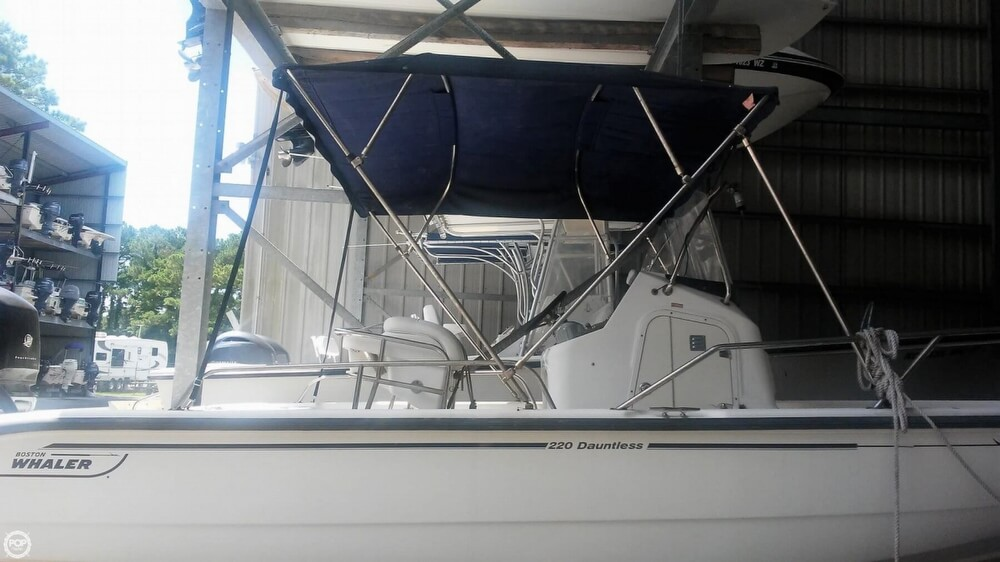 2006 Boston Whaler boat for sale, model of the boat is 220 Dauntless & Image # 7 of 40