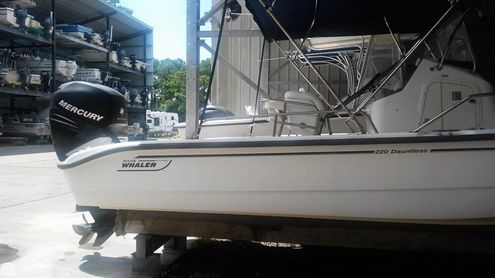 2006 Boston Whaler boat for sale, model of the boat is 220 Dauntless & Image # 8 of 40