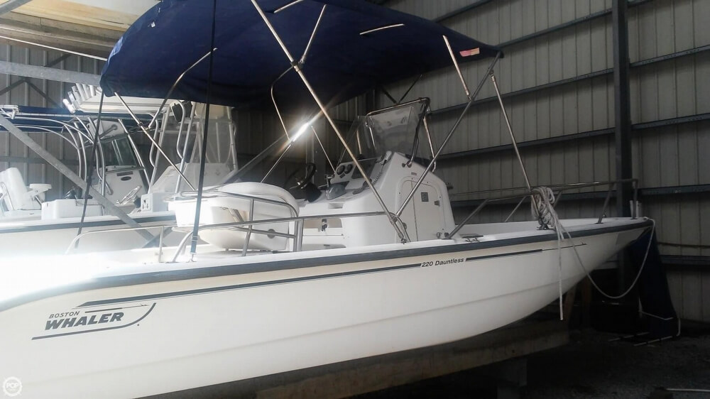 2006 Boston Whaler boat for sale, model of the boat is 220 Dauntless & Image # 9 of 40