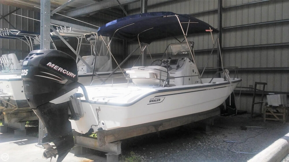 2006 Boston Whaler boat for sale, model of the boat is 220 Dauntless & Image # 10 of 40