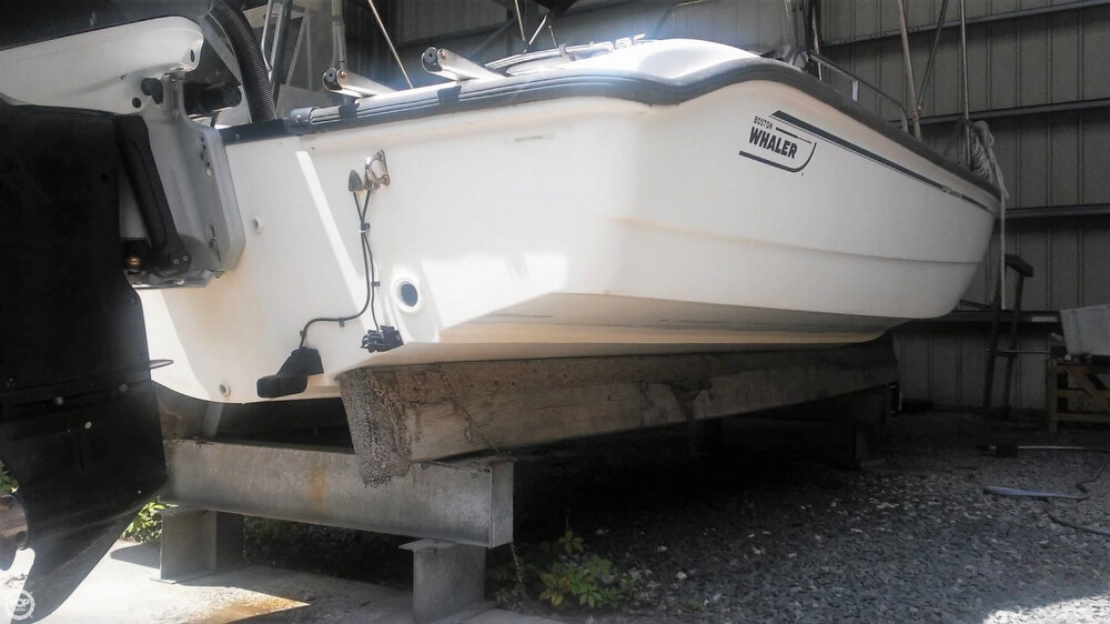 2006 Boston Whaler boat for sale, model of the boat is 220 Dauntless & Image # 11 of 40