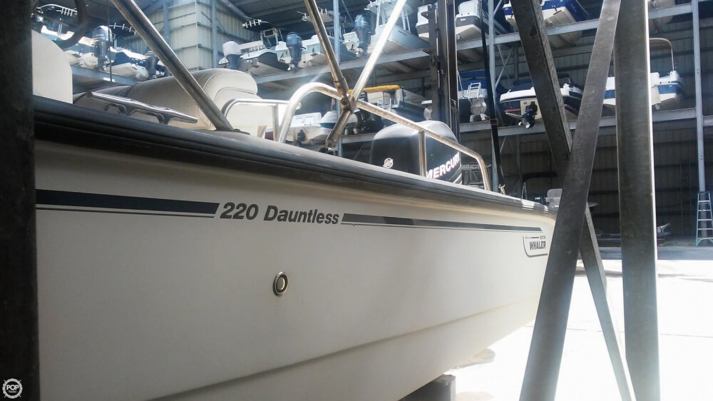2006 Boston Whaler boat for sale, model of the boat is 220 Dauntless & Image # 21 of 40