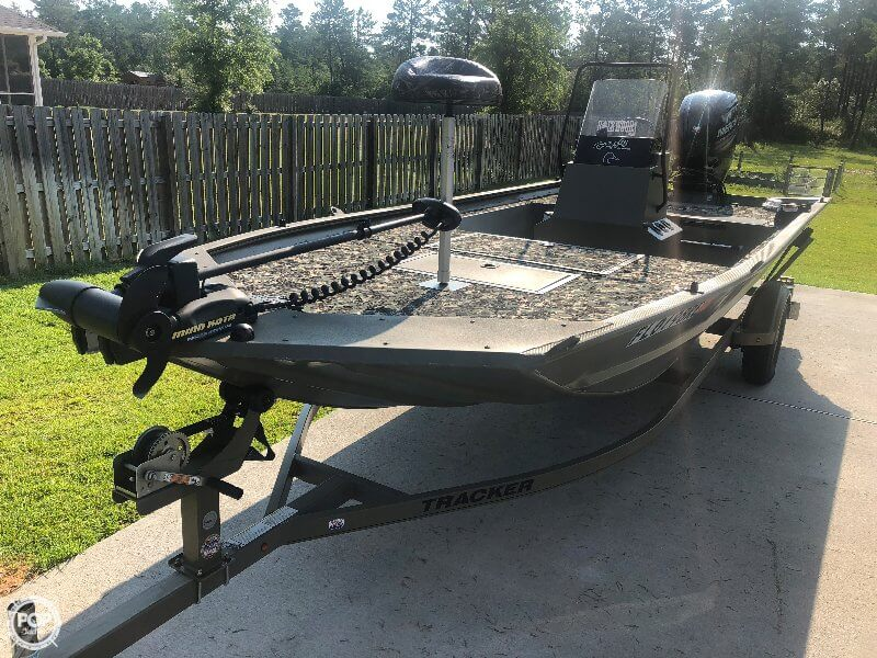 2016 Tracker Boats boat for sale, model of the boat is 1860 CC MVX & Image # 5 of 40