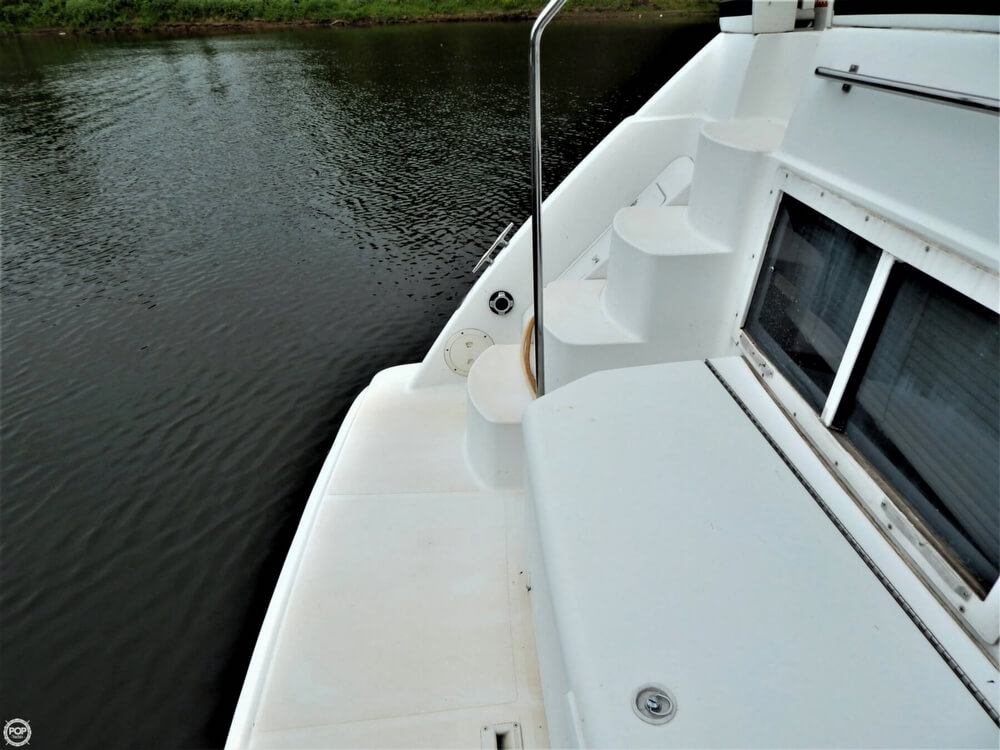 1999 Carver boat for sale, model of the boat is 356 Aft cabin & Image # 16 of 40