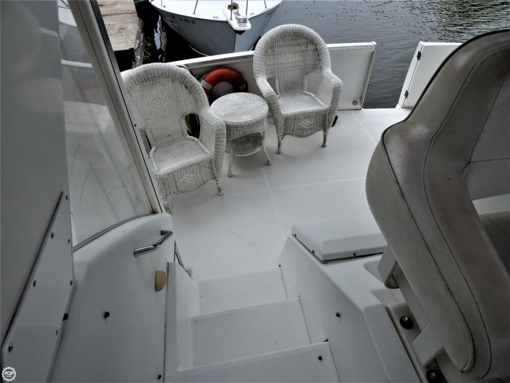 1999 Carver boat for sale, model of the boat is 356 Aft cabin & Image # 34 of 40