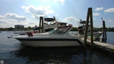 Regal Commodore 320, 34', for sale - $12,500