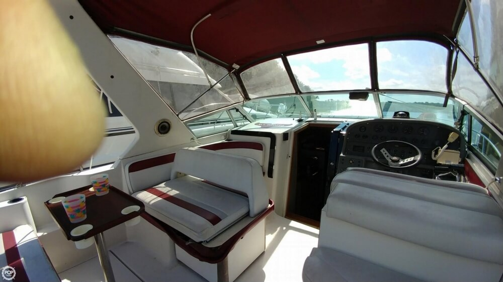 1990 Regal 32 - image 26