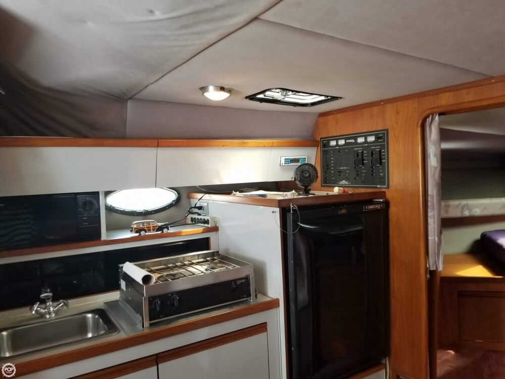 1990 Regal boat for sale, model of the boat is Commodore 320 & Image # 40 of 40