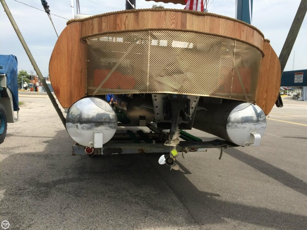 1992 Smoker Craft boat for sale, model of the boat is 28 & Image # 6 of 18