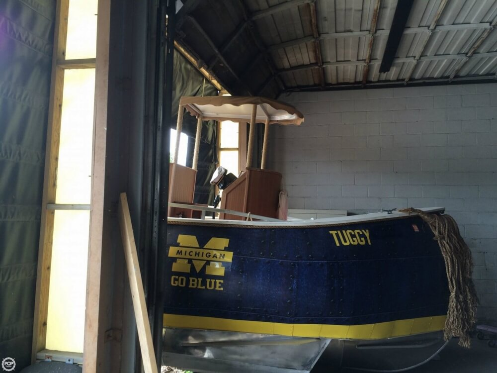 1992 Smoker Craft boat for sale, model of the boat is 28 & Image # 12 of 18