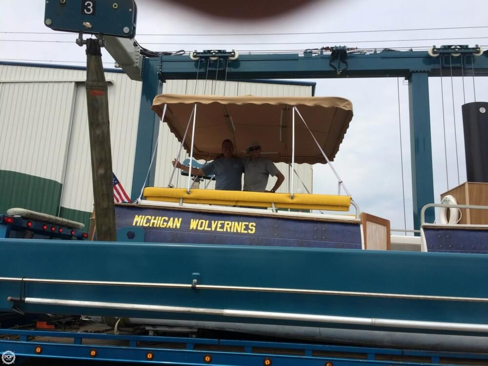 1992 Smoker Craft boat for sale, model of the boat is 28 & Image # 16 of 18
