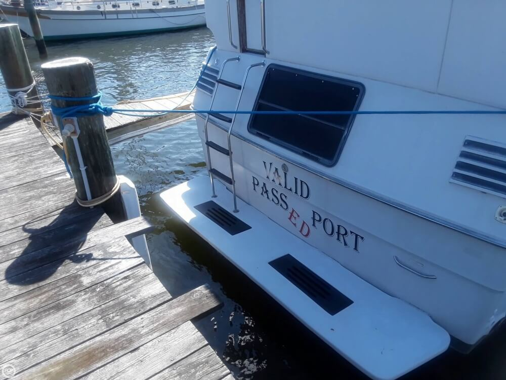 1988 Sea Ray boat for sale, model of the boat is 415 Aft Cabin & Image # 15 of 40