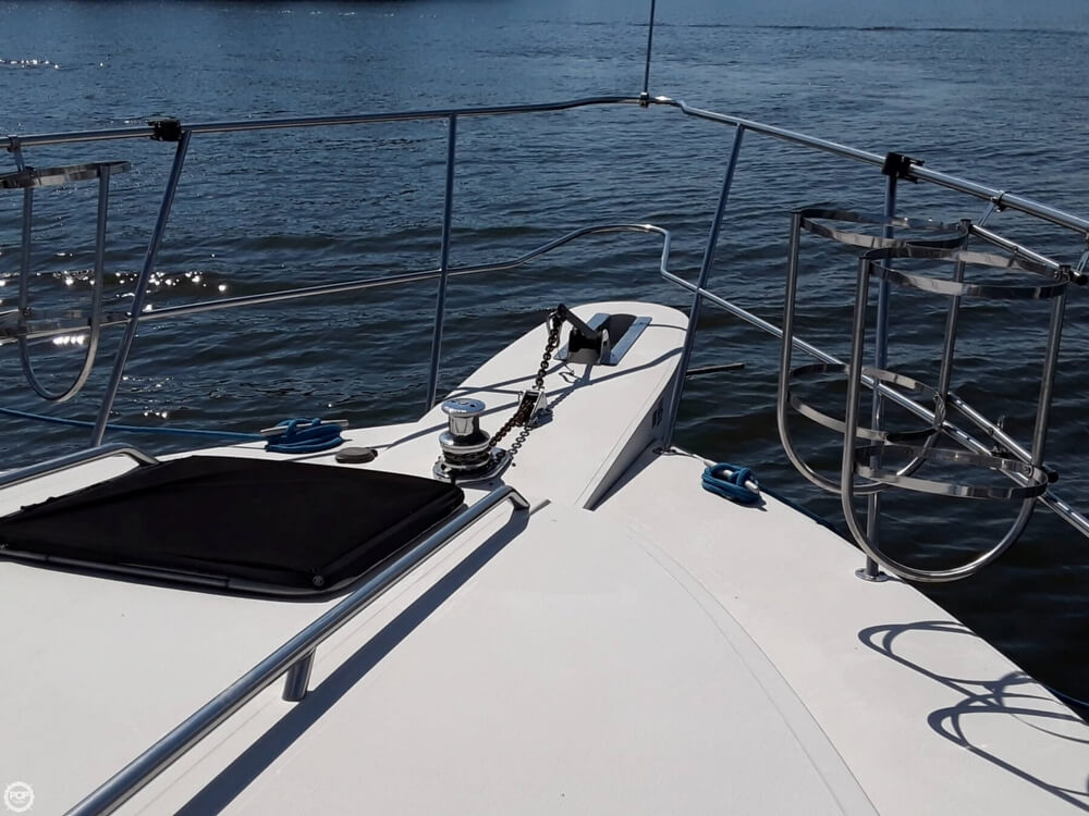 1988 Sea Ray boat for sale, model of the boat is 415 Aft Cabin & Image # 22 of 40