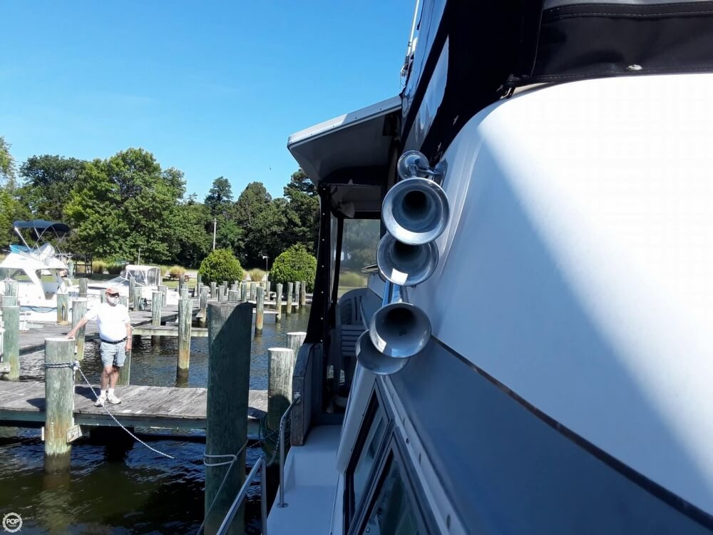 1988 Sea Ray boat for sale, model of the boat is 415 Aft Cabin & Image # 29 of 40
