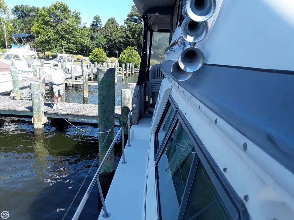 1988 Sea Ray boat for sale, model of the boat is 415 Aft Cabin & Image # 30 of 40