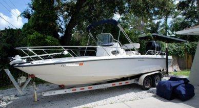 Boston Whaler 230 Dauntless, 23', for sale - $47,500