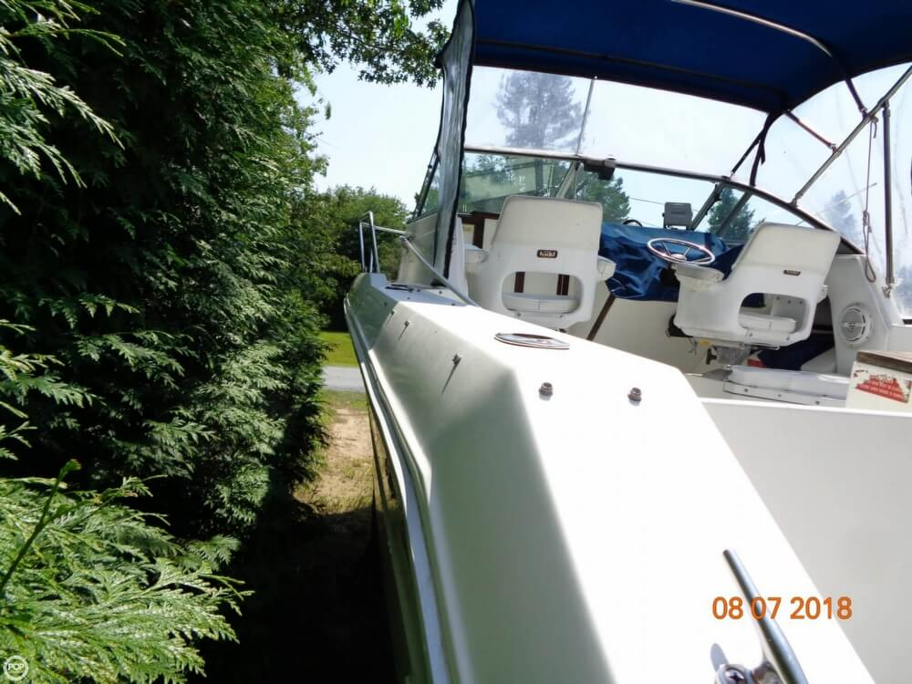 1992 Sea Ray boat for sale, model of the boat is Laguna 24 & Image # 14 of 41