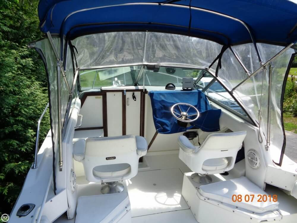 1992 Sea Ray boat for sale, model of the boat is Laguna 24 & Image # 22 of 41