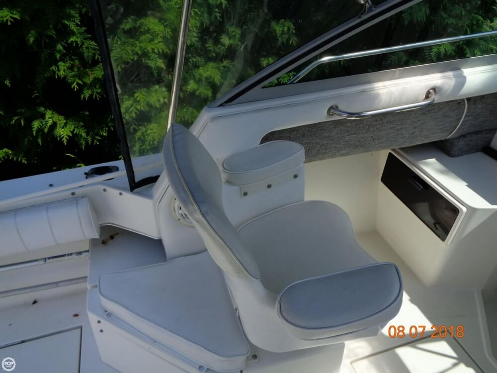 1992 Sea Ray boat for sale, model of the boat is Laguna 24 & Image # 36 of 41