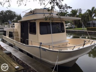 Holiday 38, 38', for sale - $25,000