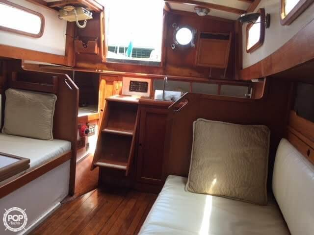 1977 Fuji boat for sale, model of the boat is Ketch 32 & Image # 13 of 28